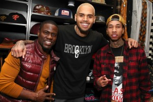 Tyga+Chris+Brown+Hosts+Xmas+Toy+Drive+DMBMrdA7mzOl